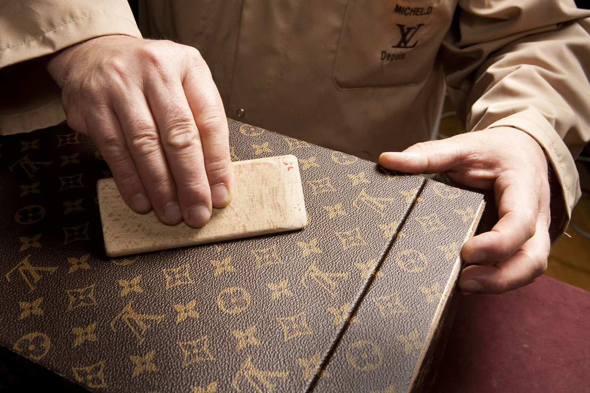 what are louis vuitton bags made of