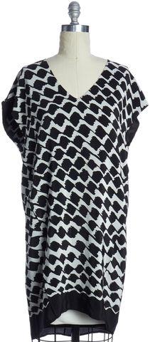 DEREK LAM 10 CROSBY 10 CROSBY DEREK LAM  Black White Print Silk Shift Dress