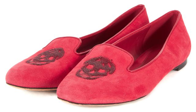 ALEXANDER MCQUEEN Red Sequin Skull Embellished Suede Loafers
