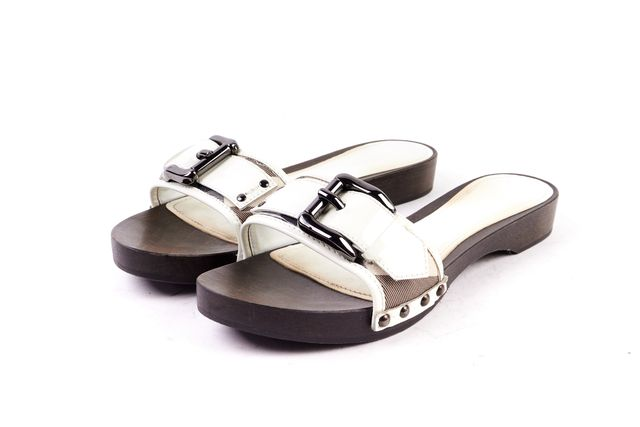 BURBERRY White Patent Leather Brown Wooden Heel Sandal