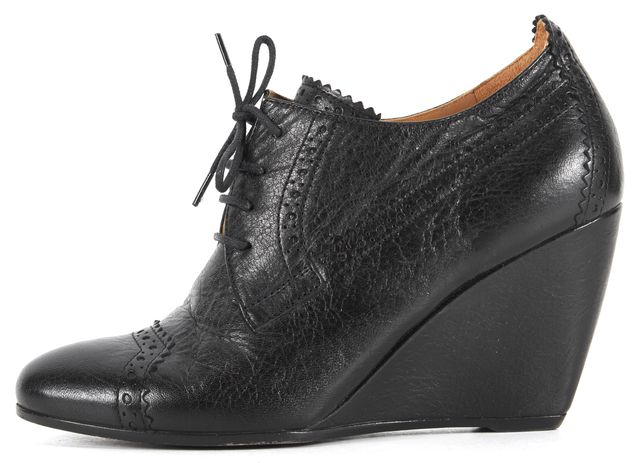 BALENCIAGA Black Leather Lace-Up Oxford Wedges