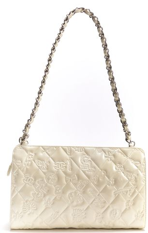 CHANEL Auth Pearlescent Ivory Emboss Patent Leather Silver Chain Shoulder Bag