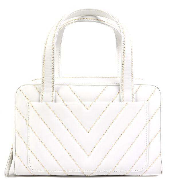 CHANEL White Leather Shoulder Bag Handbag ...