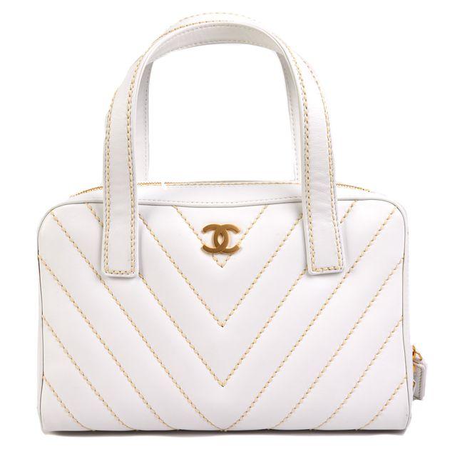 CHANEL White Leather Shoulder Bag Handbag CHANEL White Leather Shoulder Bag  Handbag
