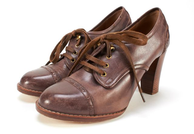 CHLOÉ Purple Distressed Leather Lace Up Heeles Oxford Booties