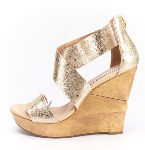 DIANE VON FURSTENBERG Gold Metallic Leather Architectural Wooden Wedges Sz 8.5