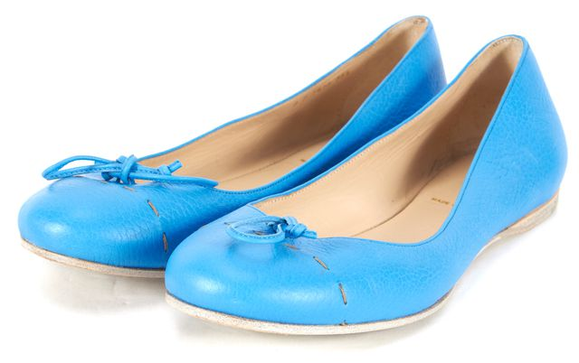 FENDI Blue Pebbled Leather Stitched Cap Toe Ballet Flats