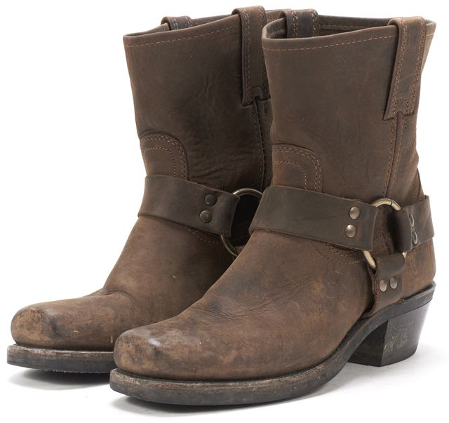 FRYE Brown Leather Cow-Boy Ankle Boots.
