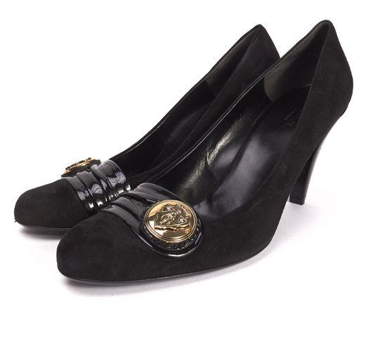 GUCCI Black Suede Brass Tone Emblem Round Toe Pump Heels