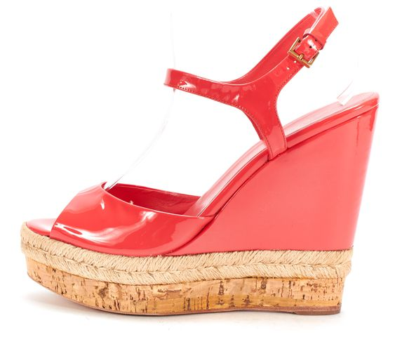 GUCCI Pink Patent Leather Wedges