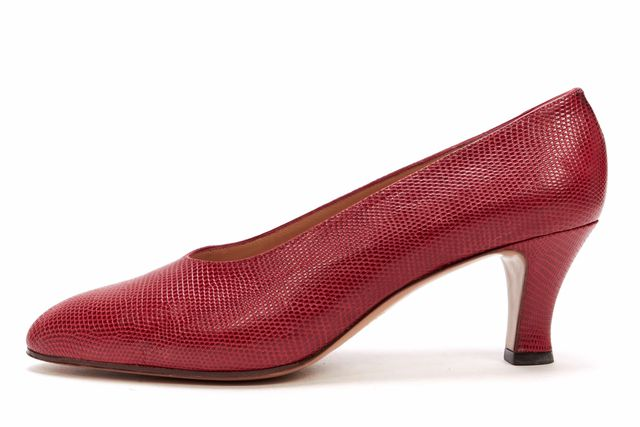 GUCCI Red LIzard Embossed Leather Low Heel Pumps