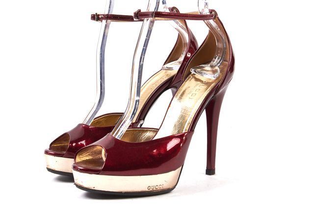 GUCCI Red Glittery Patent Leather Platform