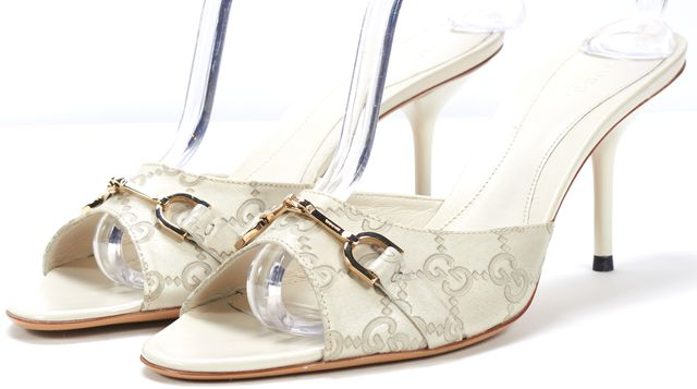 GUCCI Off White Guccissima Leather Horsebit Embellished Heel