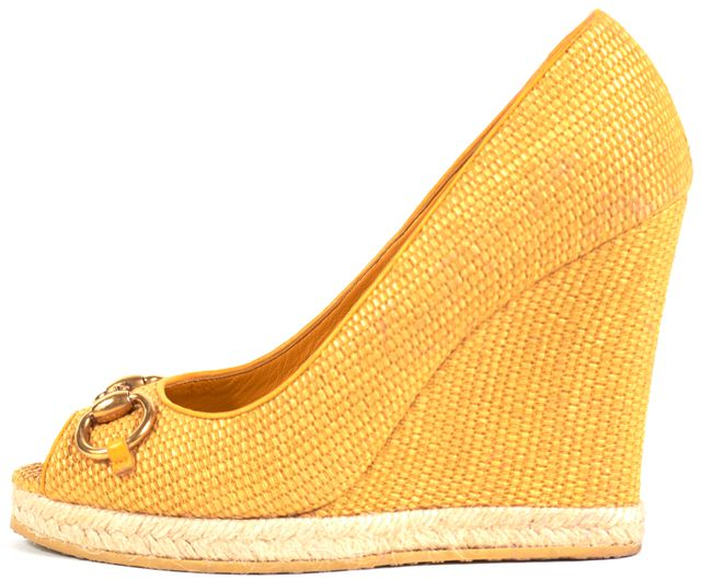 GUCCI Goldenrod Yellow Horsebit Raffia Woven Peep Toe Wedges
