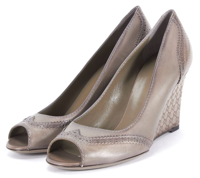 GUCCI Gray Guccissma Embossed Leather Peep Toe Wedges