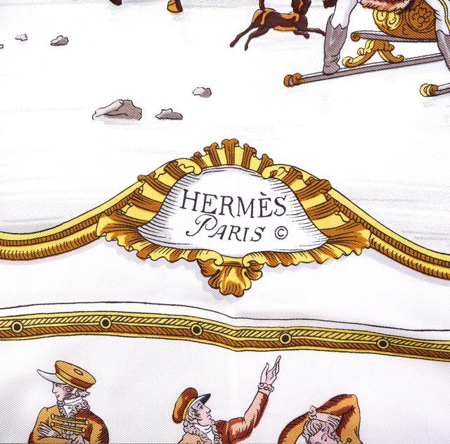 HERMÈS Beige Winter Graphic Silk Carre Les Plaisirs Du Froid Scarf