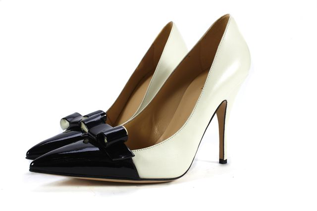 KATE SPADE White Leather Black Patent Leather Cap Pointed-toe Heels Size 9.5