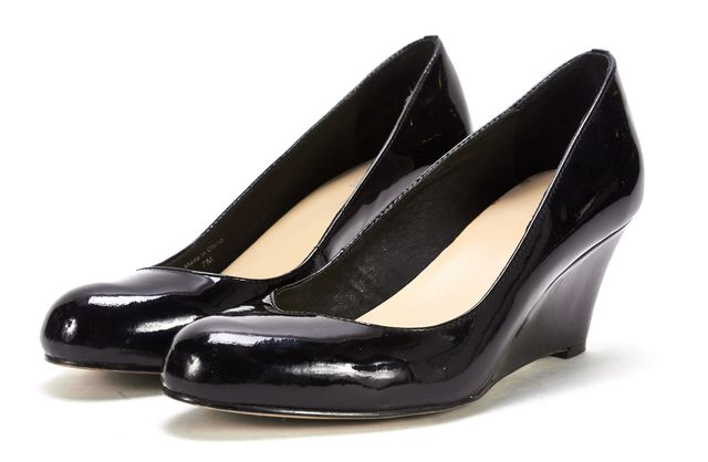 KATE SPADE Black Patent Leather Round-Toe Wedges