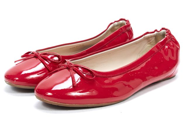 L.K. BENNETT Raspberry Red Patent Leather Casual Round Toe Ballet