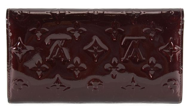 LOUIS VUITTON Amarante Vernis Sarah International Wallet
