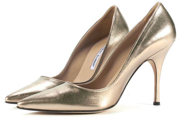 MANOLO BLAHNIK Gold Leather Pointed Toe Heeled Pumps