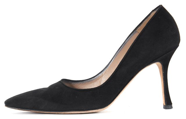 MANOLO BLAHNIK Black Suede Pointed Toe Heels