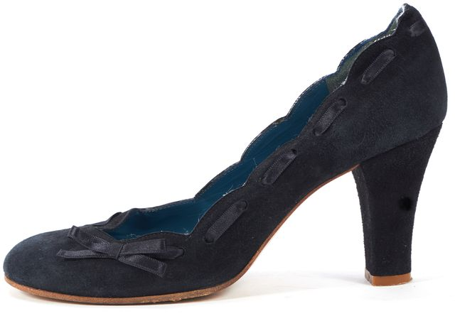 MARC BY MARC JACOBS Navy Blue Suede Ribbon Bow Scallop Trim Heels