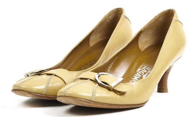 SALVATORE FERRAGAMO Beige Leather Round Toe Silver Buckle Pump Heels