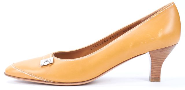SALVATORE FERRAGAMO Tan Brown Leather Stacked Heel Round Toe Pumps