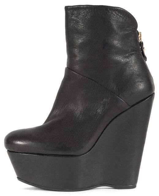 STUART WEITZMAN Black Leather Chunky Wedged Ankle Boots