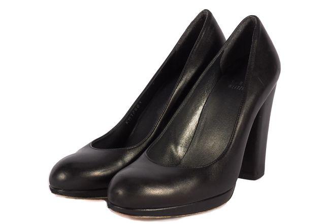 STUART WEITZMAN Black Leather Pump Heels