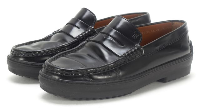 TOD'S Black Leather Gommino Penny Loafer