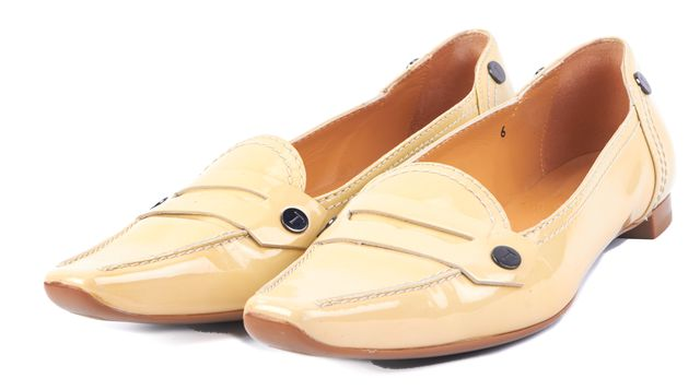 TOD'S Nude Double Stitched Patent Leather Pointy Toe Penny Loafers