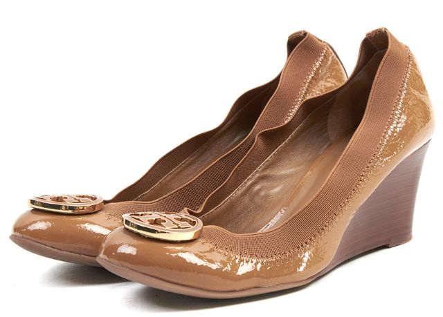 TORY BURCH Nude Brown Patent Leather Logo Medallion Caroline Wedges