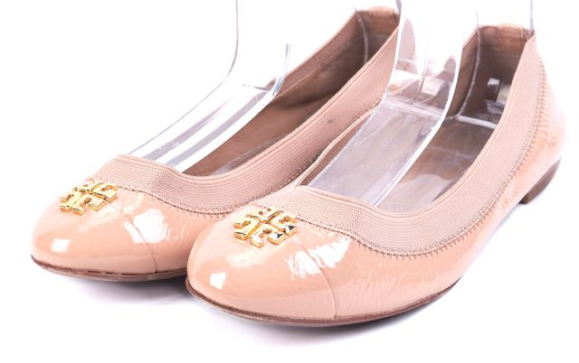 TORY BURCH Nude Pink Gold Tone Logo Embellished Patent Leather Flats ...