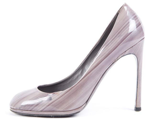 YVES SAINT LAURENT Gray Abstract Patent Leather Pump Heels